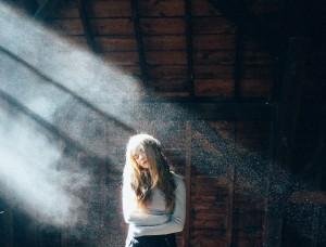 пыль в лучах солнца