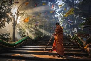 Божий свет, монах